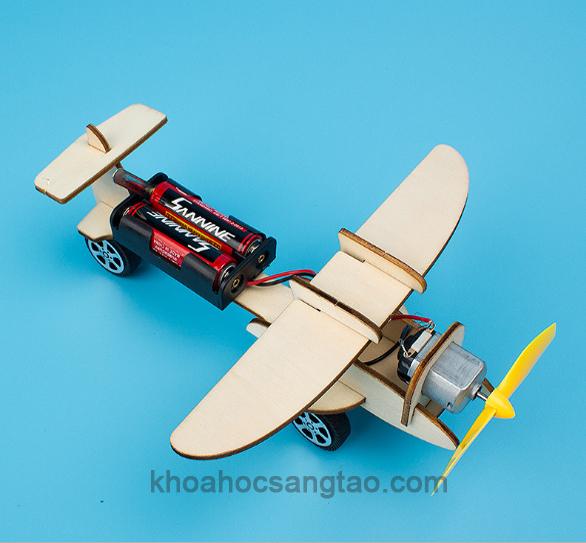 maybay 3 Máy bay gỗ một động cơ