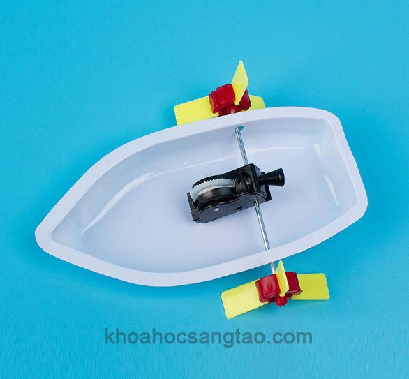 Đồ chơi thuyền nhựa lắp ráp hai chân vịt